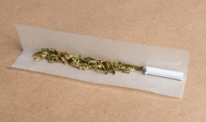 What are hemp rolling papers used for?