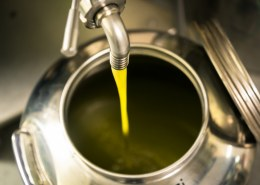How is cold pressed hemp oil made?