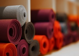 How do I choose a hemp yoga mat?