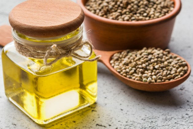 How to Use Hemp Seed Oil for Skin